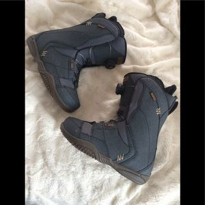 Ride snowboarding boots